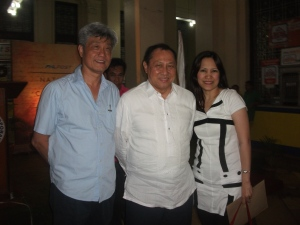 Stanley Chi together with his wife and Mr. Ceasar Sarino