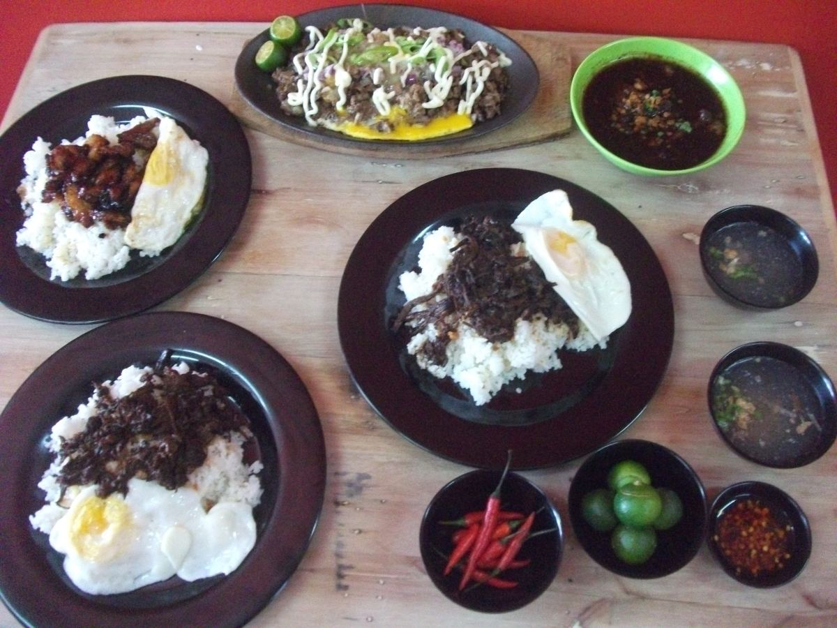 EATSILOG : A Neighborhood Eatery