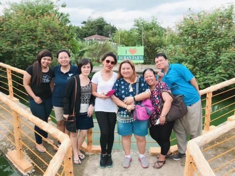 Duran Farm group photo.jpg