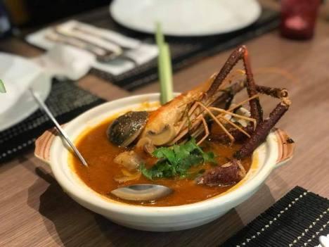 mixed-seafood-tom-yum