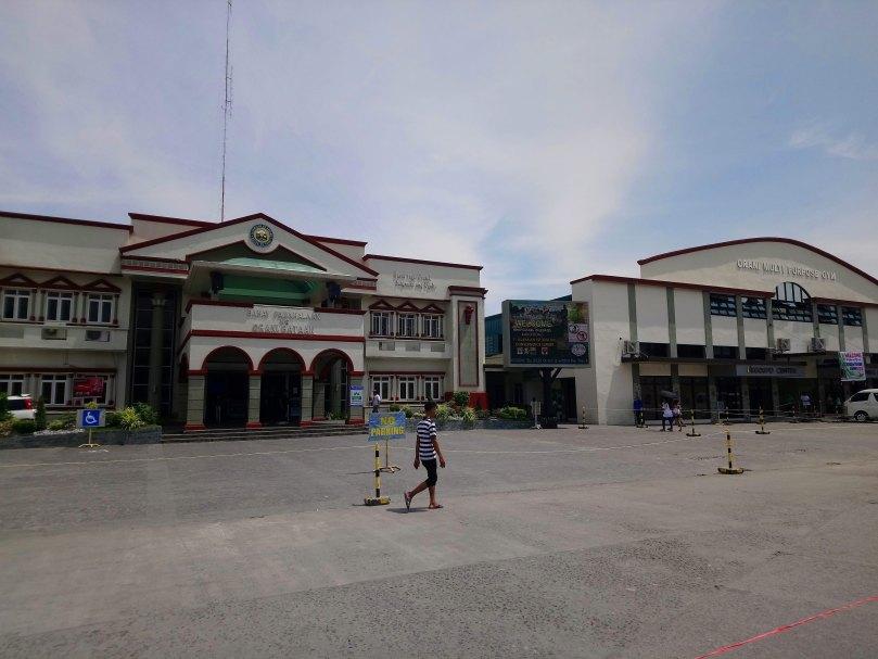 orani-municipal-hall-and-gym