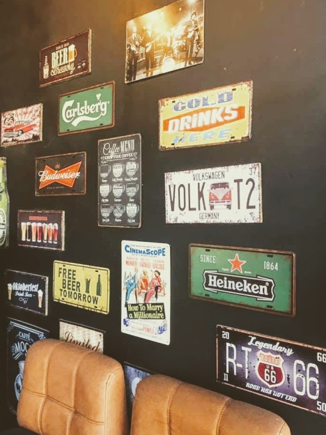 bj-snack-house-vintaga-tin-beer-poster