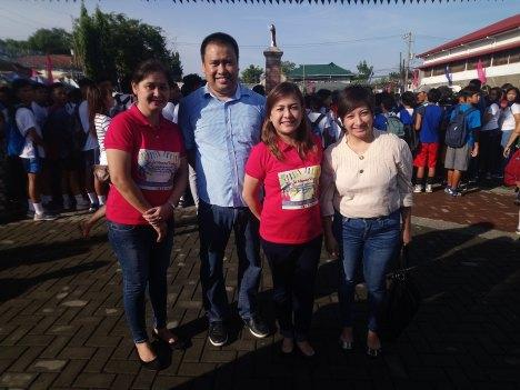 group-photo-with-mayor