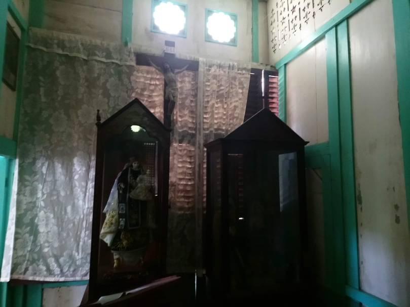 la-sampaguita-altar-2