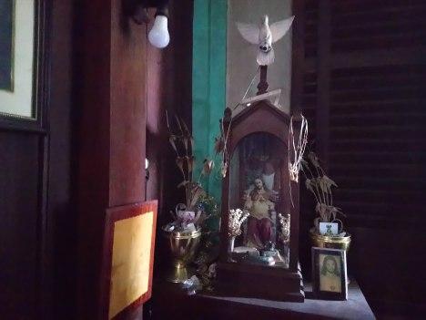 la-sampaguita-altar