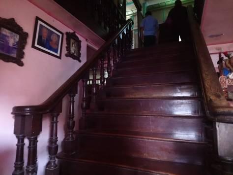 la-sampaguita-staircase