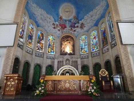 lourdes-church-altar