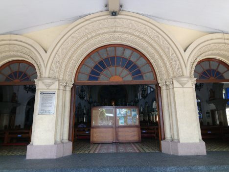 lourdes-church-main-door