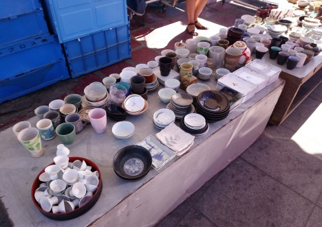 cups-and-plates