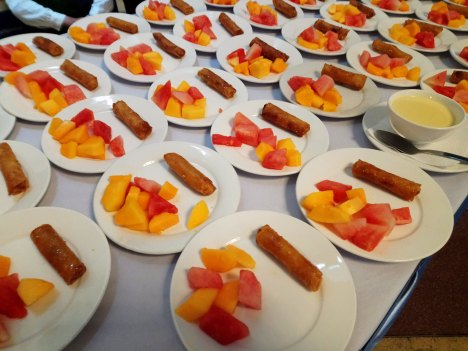 turon-and-fresh-slices-of-fruits-1