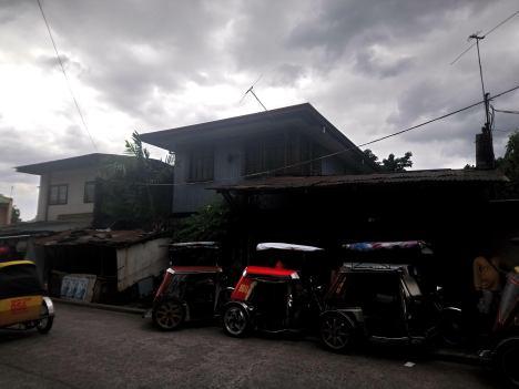 camarin-caloocan-city-mid-century-houses