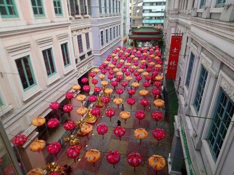 lucky-chinatown-mall-lanterns