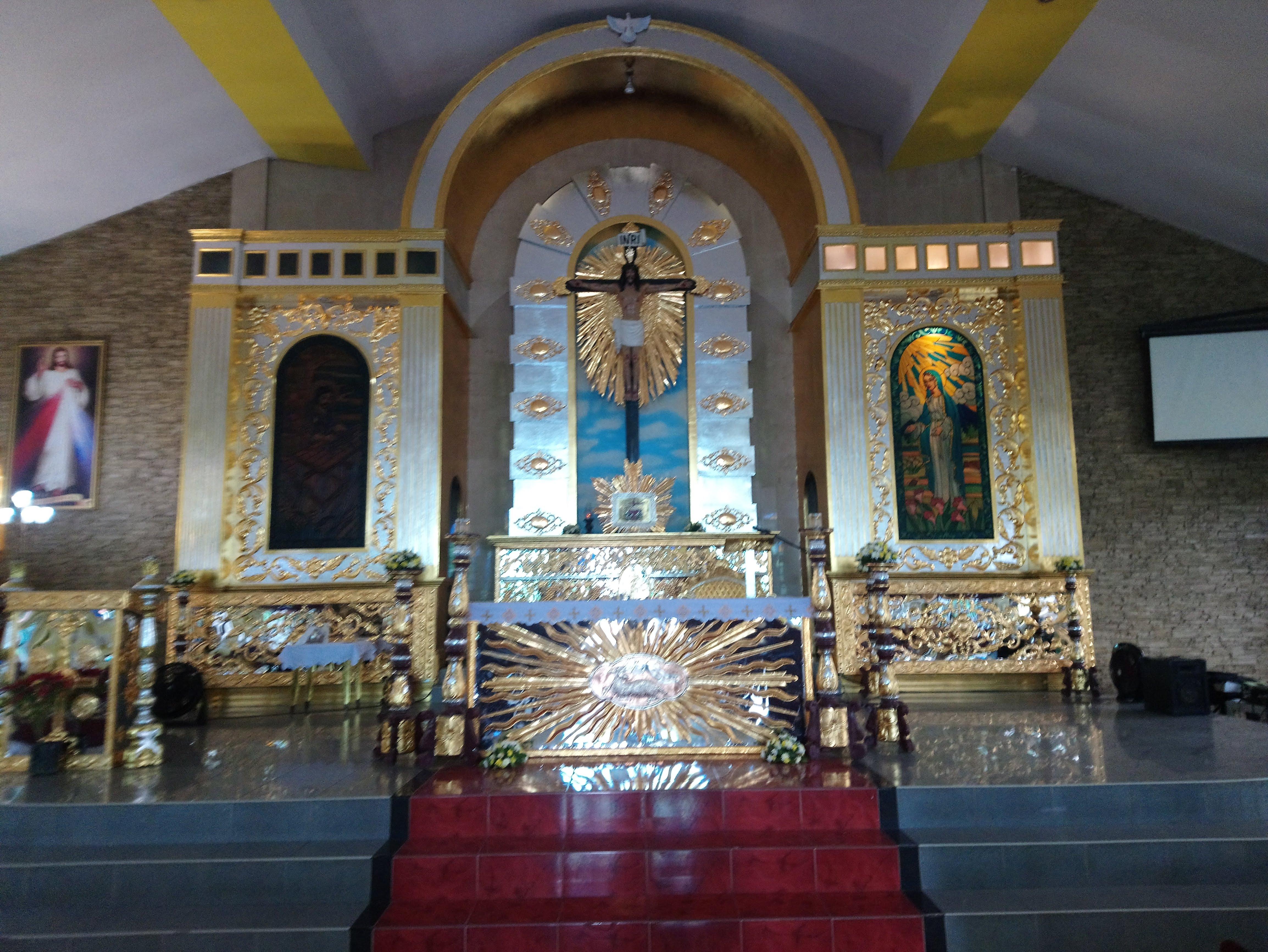 saint-joseph-parish-main-altar