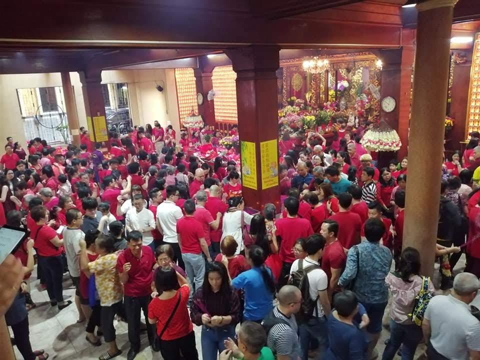 seng-guan-temple-crowd