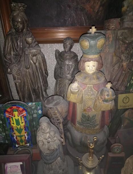 wooden-santos-1