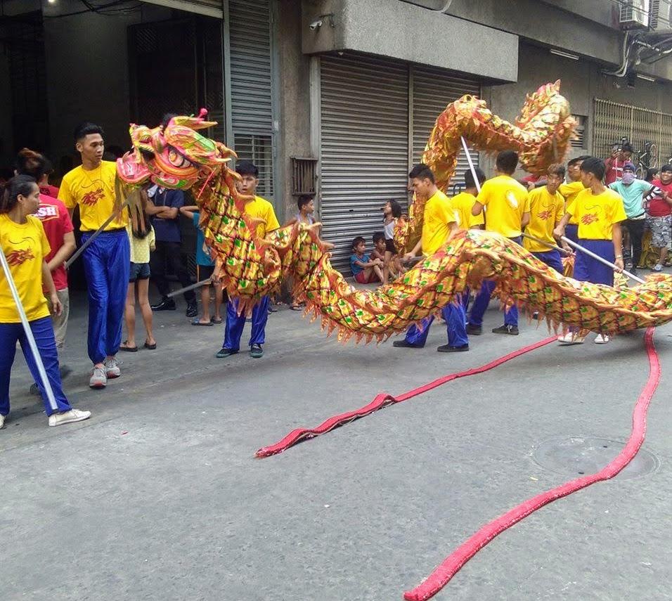 dragon-dancers