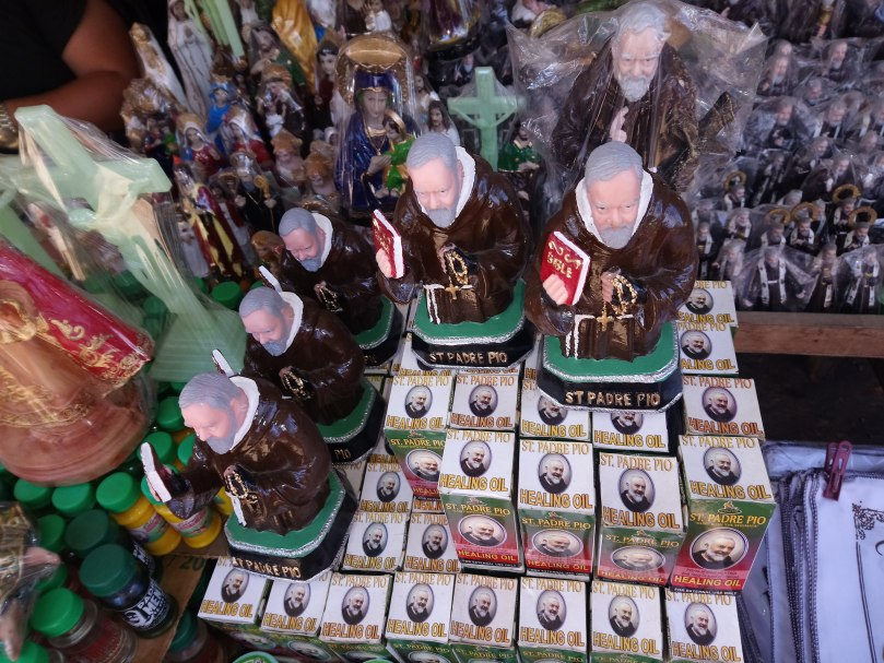 saint-padre-pio-statues